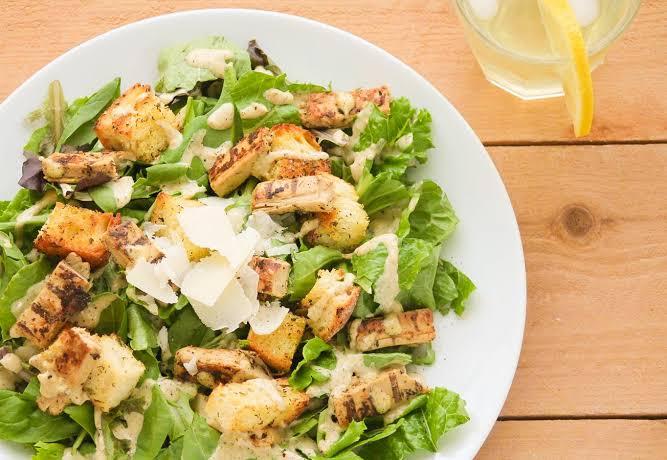 Cara Membuat Caesar Salad